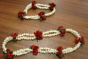 L1M / L1MH - PIKAKE with RED ROSE LEI / HEADBAND