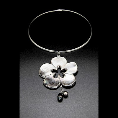 TAHITIAN JEWELRY:  MOTHER OF PEARL FLOWER WITH PEARLS AND SILVER ACCENT