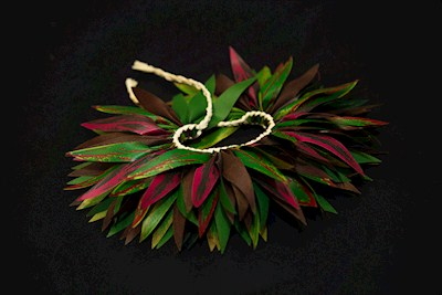 Ti Leaf Hairpiece